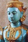 菩萨关闭美丽的蓝色天使雕象  免版税库存图片