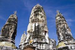 菩萨和塔泰国历史寺庙的 库存图片