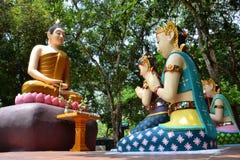 菩萨图象和佛教徒 免版税库存图片