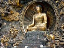 菩萨在灵山的壁画雕象 免版税库存照片