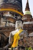 菩萨坐泰国的凝思废墟 免版税库存照片