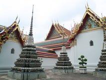 菩萨寺庙后院在曼谷 免版税库存图片
