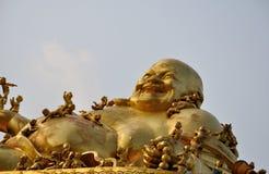 菩萨愉快的雕象 免版税库存照片