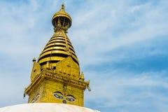 菩萨的智慧眼睛在Swayambhunath Stupa 免版税库存照片