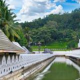 菩萨的牙的佛教寺庙 康提斯里兰卡 免版税库存照片