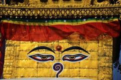 菩萨眼睛或智慧注视在Swayambhunath寺庙或猴子寺庙 库存照片