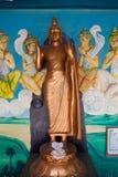 菩萨金雕象在马塔勒,斯里兰卡 库存照片