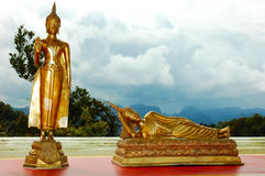 菩萨金黄雕象泰国 库存图片