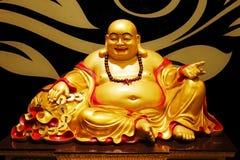 菩萨金黄雕象 免版税库存照片