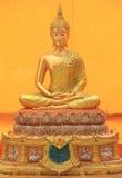 菩萨金黄在Wat Sakra 库存照片