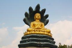菩萨金黄雕象泰国 免版税库存照片