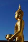 菩萨雕象和罐 免版税库存照片