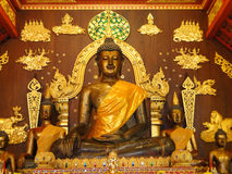 菩萨雕象在教会里, Chiangrai 库存图片