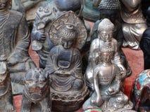 菩萨雕象在露天市场,琅勃拉邦,老挝上 库存图片