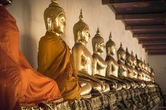 菩萨雕象在黎明寺的ina行在曼谷,泰国。 免版税库存照片