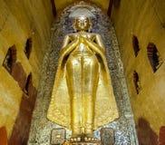 菩萨雕象在Bagan的,缅甸塔 免版税库存照片