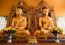 菩萨雕象在Shwedagon塔,仰光 免版税库存图片