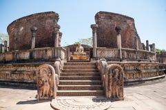 菩萨雕象在Vatadage,古老市Polonnaruwa,斯里南卡。 科教文组织世界遗产。 免版税库存照片