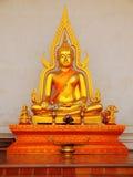 菩萨雕象在Wat Chedi Luang,清迈 库存照片