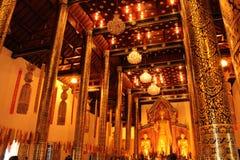 菩萨雕象在Wat Chedi Luang,清迈 免版税图库摄影