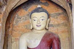 菩萨雕象寺庙的在Bagan,缅甸 库存图片