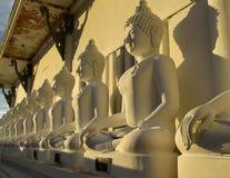 菩萨雕象寺庙 库存照片