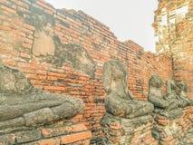 菩萨雕象没有头Wat Chaiwatthanaram寺庙在Ayuthaya历史公园,联合国科教文组织世界遗产在泰国 免版税库存照片