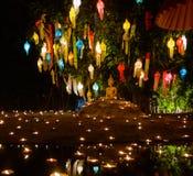 菩萨雕象照明设备 免版税图库摄影