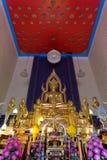 菩萨雕象的图象在Wat Arwut曼谷泰国的 图库摄影