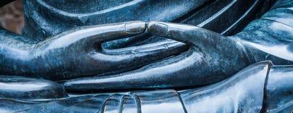 菩萨雕象细节与Dhyana手位置,姿态o的 库存照片