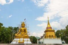 菩萨雕象建设中,泰国。 免版税库存图片
