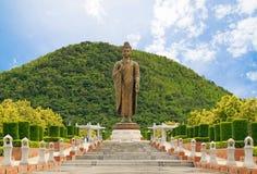 菩萨雕象Wat的Thipsukhontharam,北碧省, 库存图片