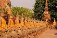 菩萨雕象Wat Putthaisawan,阿尤特拉利夫雷斯 图库摄影