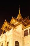 菩萨鲜绿色全部宫殿寺庙 免版税库存图片