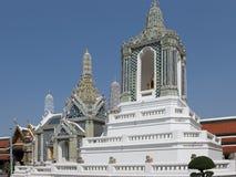 菩萨鲜绿色塔寺庙 库存图片