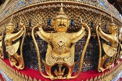 菩萨鲜绿色garuda寺庙 免版税库存图片