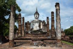 菩萨Image At Wat Mahathat阁下在Sukhothai历史公园 库存照片