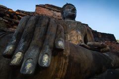 菩萨Sukhothai泰国古老雕象  库存照片