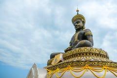 菩萨Wat Traiphum寺庙的,泰国玛哈Thammaracha古铜色雕象  免版税库存照片