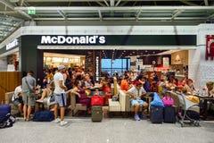 菲乌米奇诺机场内部 免版税库存照片