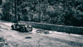 菲亚特在一辆老赛车的BALILLA SPAIDER在集会Mille Miglia 2017年 库存照片