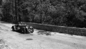 菲亚特在一辆老赛车的BALILLA SPAIDER在集会Mille Miglia 2017年 库存图片