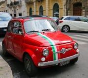 菲亚特500在巴里,意大利 免版税库存照片