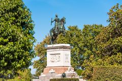 菲利普国王马雕塑IV在马德里,西班牙 复制文本的空间 免版税库存照片