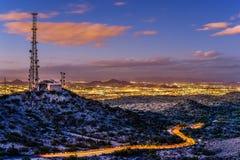 菲尼斯都市风景在晚上 免版税图库摄影