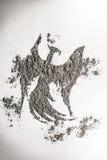 菲尼斯,老鹰在灰的鸟图画作为生活,死亡标志 免版税库存照片