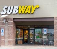 菲尼斯, Az/USA - 7 20 18 :地铁是美国人私下坚持食物主要卖水下sandw的餐馆特权 库存照片