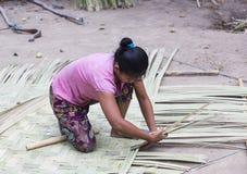 菲律宾渔村的居民的生活 库存图片