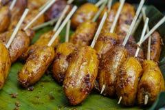 菲律宾点心turon -油煎的香蕉 免版税库存照片
