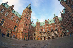 菲特列堡城堡在哥本哈根,丹麦附近的希勒勒 免版税库存图片